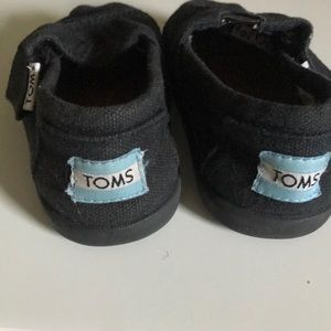 "Toms Shoes - Tom's black ""Tiny Toms""T4 child's Classic shoe"